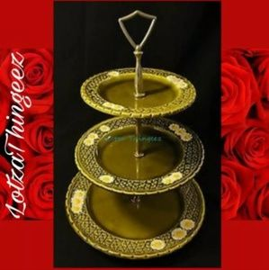 3 Tier Green Daisy Serving Plate says 8457 8470